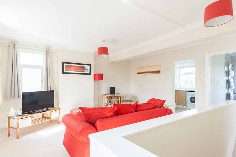 Toothbrush Apartments - East Ipswich - Cauldwell Ave, holiday rental in Ipswich