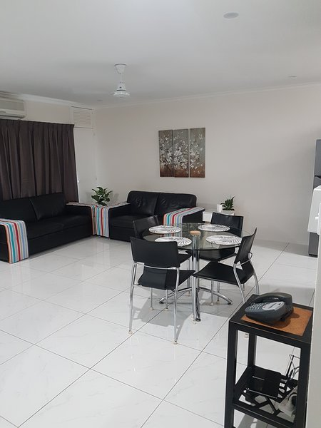 Cairns accommodation, vacation, short stay,  Cairns holiday apt, holiday homes, holiday rental in Stratford
