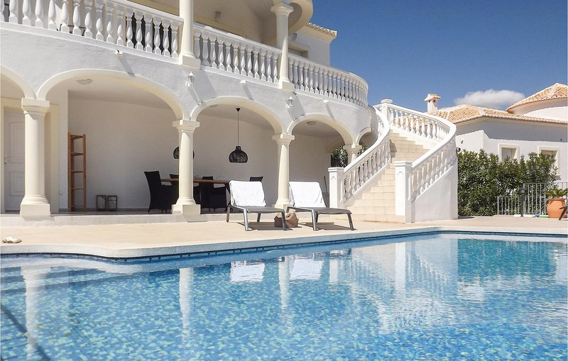 Awesome home in Partida Trullent with Outdoor swimming pool and 3 Bedrooms (EBI2, holiday rental in Sagra