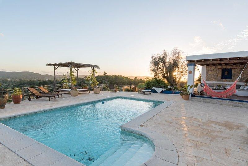 Stunning Finca in North Ibiza, vacation rental in Portinatx