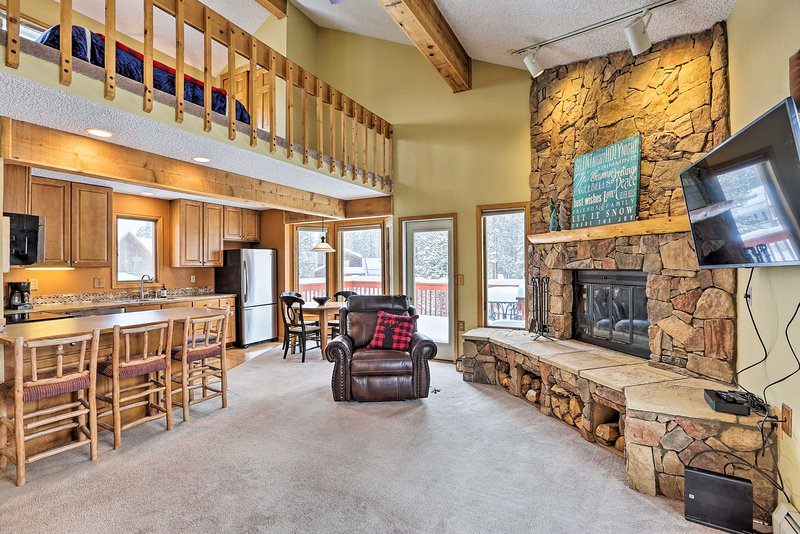 Stay and play just outside Winter Park at this 3-story vacation rental!