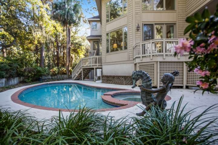 Spacious, Open & Airy - Private Pool & Spa, 1 minute to beach.  Great for Multip, holiday rental in Hilton Head