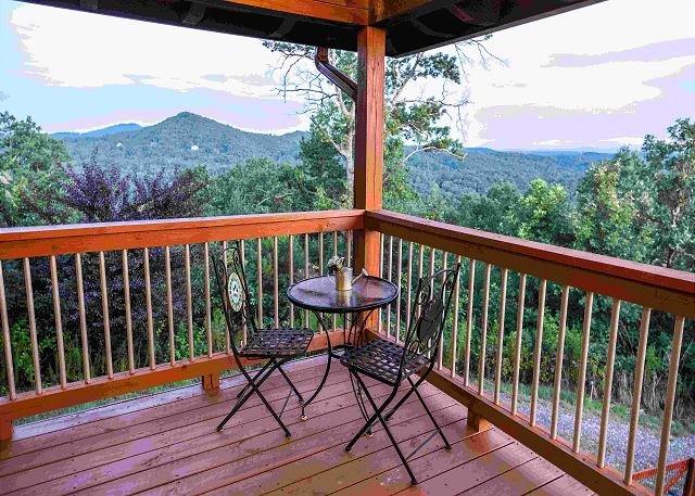 Blue View Mountain | Murphy, NC | Porches ouverts | Enchanted Mountain Ret