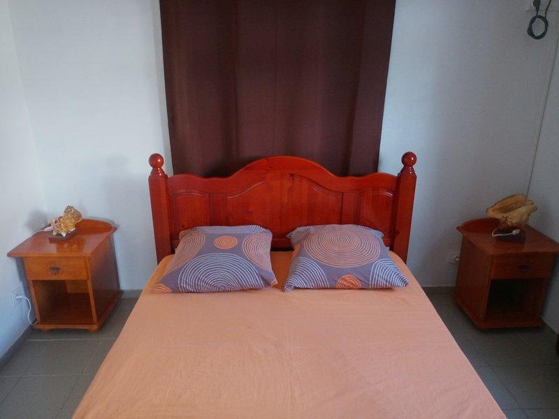Master bedroom, overview.