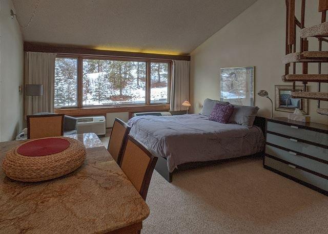 Tamarron Lodge #210 - A/C - Golf - Shared Pool & Hot Tub - Ski Shuttle, location de vacances à Durango