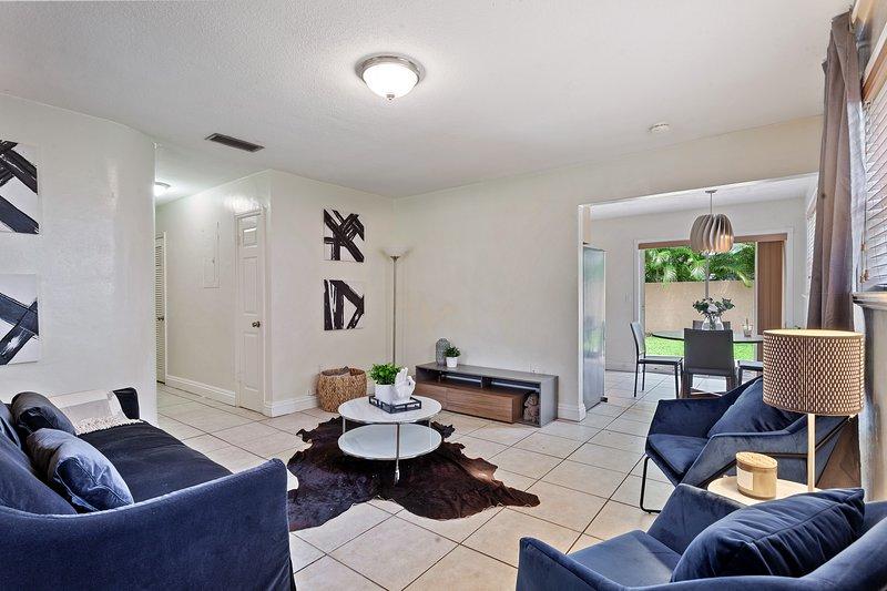 Cozy 2 bedroom apartment in Coconut Grove!, holiday rental in Miami Springs