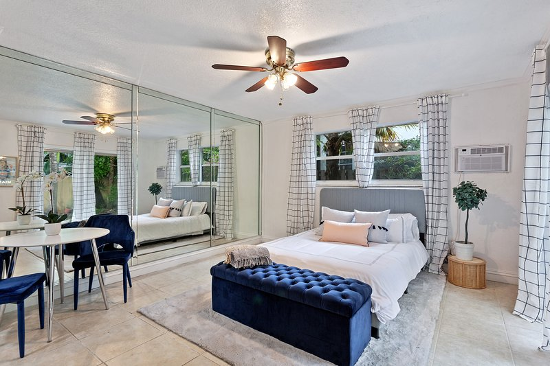 Charming Coconut Grove Studio 2!, holiday rental in Miami Springs