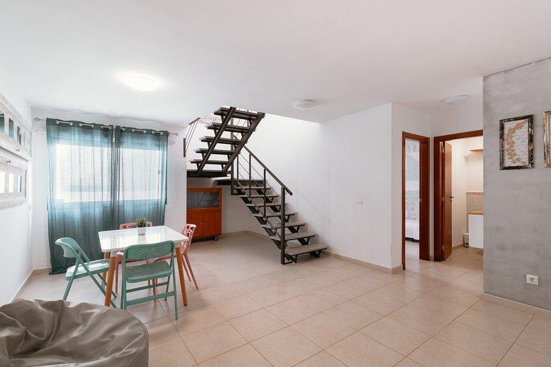 Flatguest Caleta de Fuste + Beach + Pool + Wifi, holiday rental in Fustes
