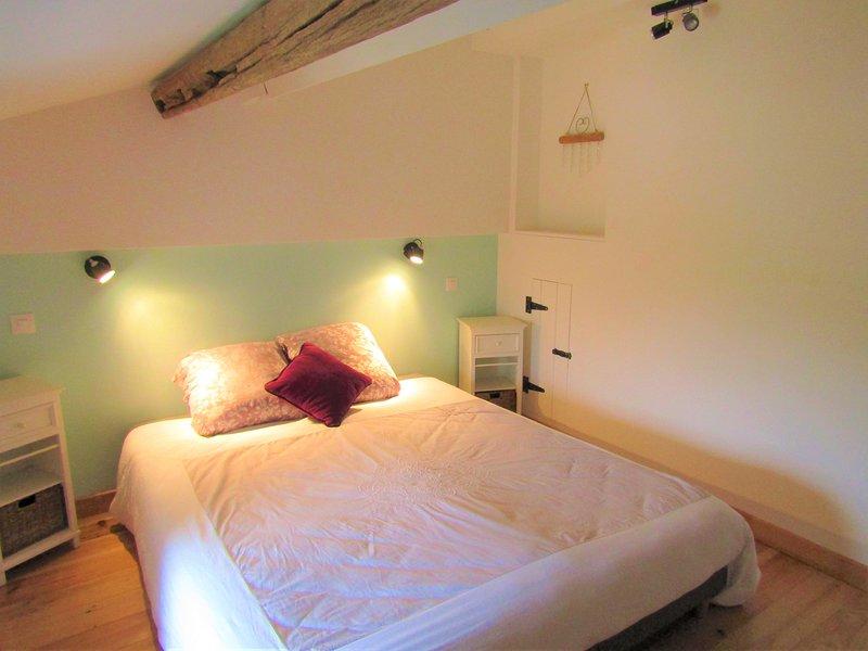 TLC Gites - Cherry - Puy du Fou, Futuroscope, vacation rental in La Chapelle-Gaudin