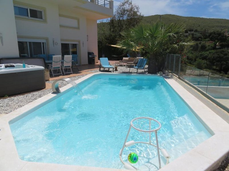 Villa Thimari sports & spa with private pool and jacuzzi, holiday rental in Palaia Fokaia
