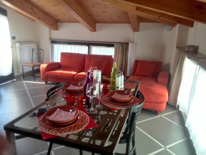 Beautiful apartment with terrace, location de vacances à Ne