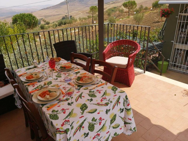 Amazing apartment with terrace, vacation rental in Cammarata