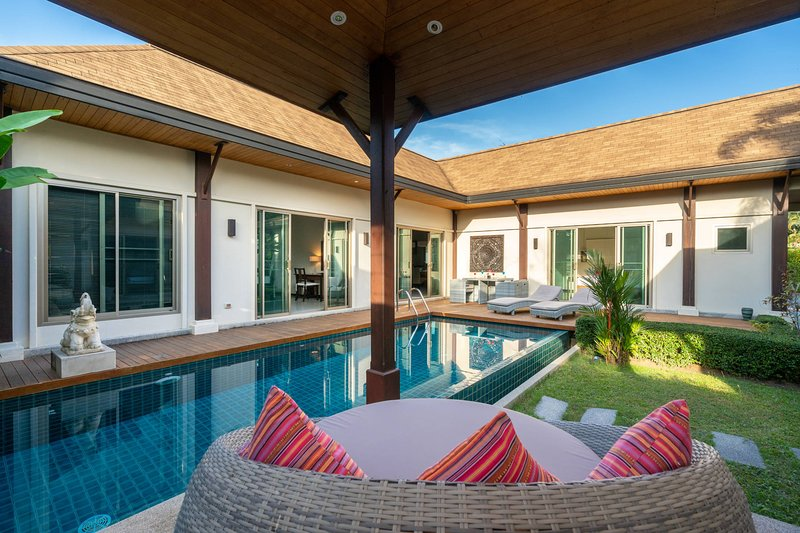 VILLA LUXE PISCINE PRIVÉE 3CH 7/8P PRES DES PLAGES, holiday rental in Nai Harn