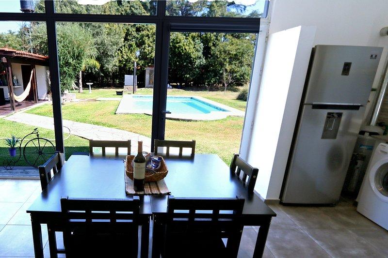 Casa Los Ángeles con Pileta y Canchita de Fútbol, holiday rental in Granadero Baigorria