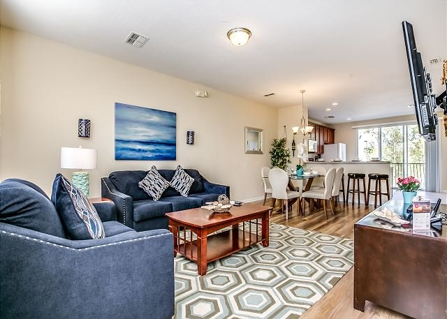 Newly fully furnished tri-level townhouse in Vista Cay Resort, vacation rental in Orlando