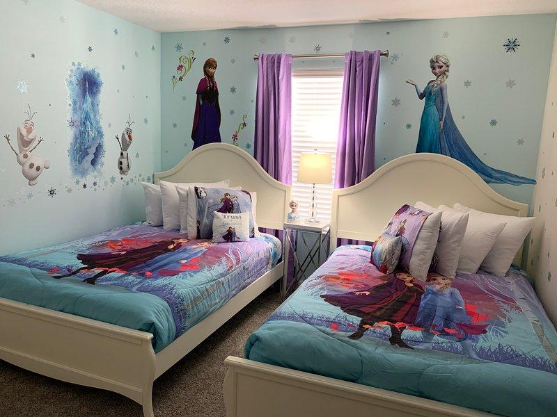 Near Disney&Universal brand new 5BD/4BA private pool house, alquiler de vacaciones en Orlando