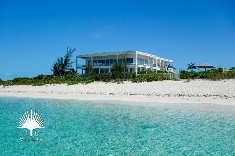 TC Villas // Impulse Beach Estate // Large & Luxurious Estate, location de vacances à The Bight Settlement