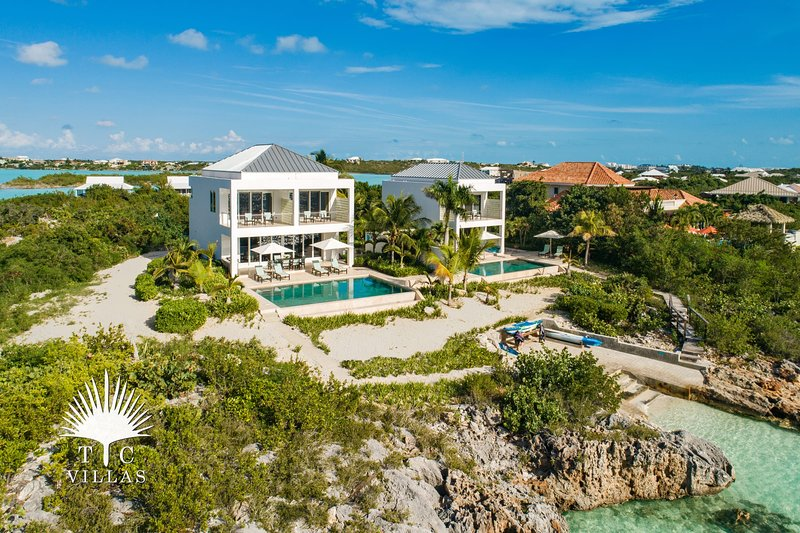 TC Villas // Miami Vice Two // Luxurious Rest & Relaxation, vacation rental in Turtle Cove