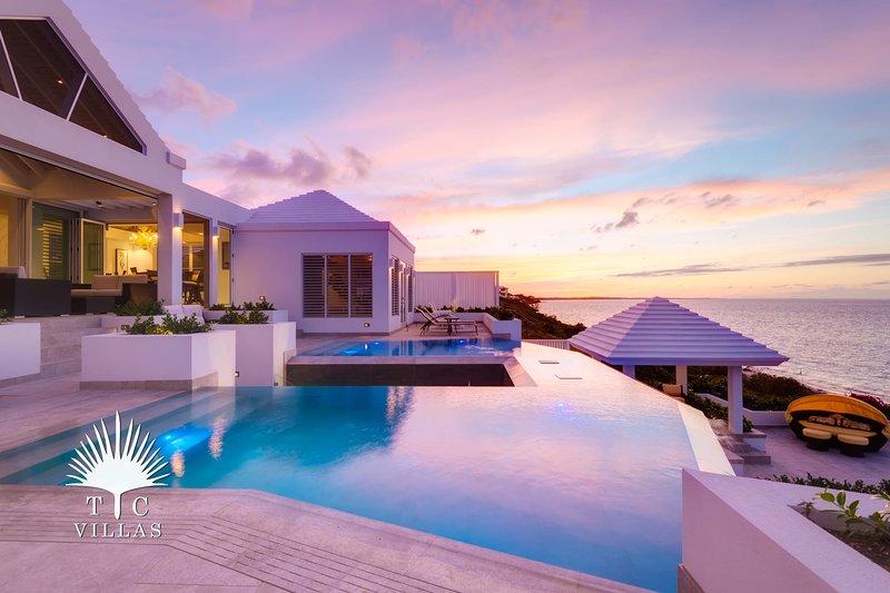 TC Villas // Cascade // Ultimate Caribbean Estate, location de vacances à The Bight Settlement