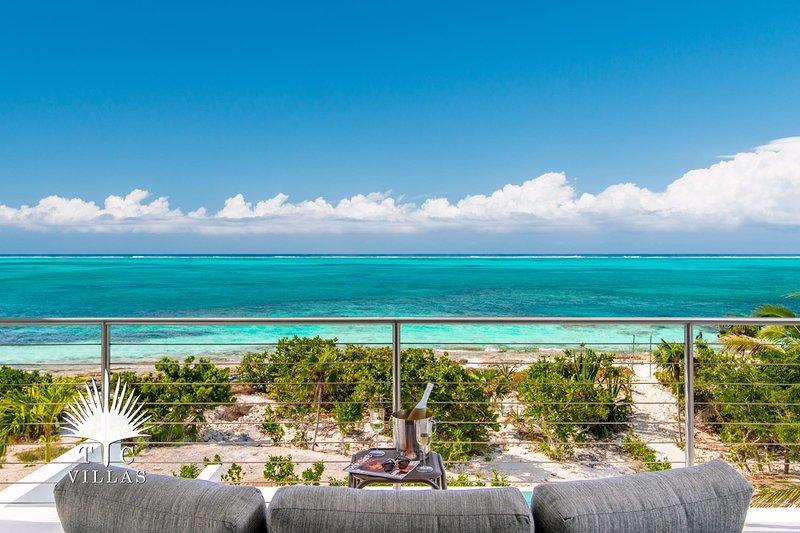 TC Villas // Villa Sandpebble // Perfect Location!, location de vacances à The Bight Settlement