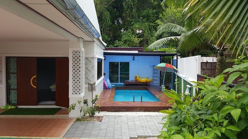 Baan samkong pool house, holiday rental in Talat Nuea