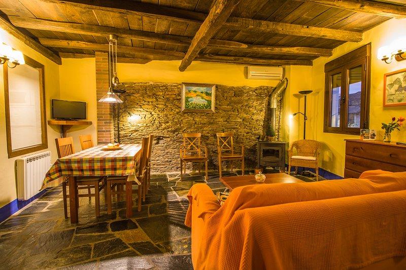 Casa Rural 2 habitaciones. 4-6pax, vacation rental in Extremadura
