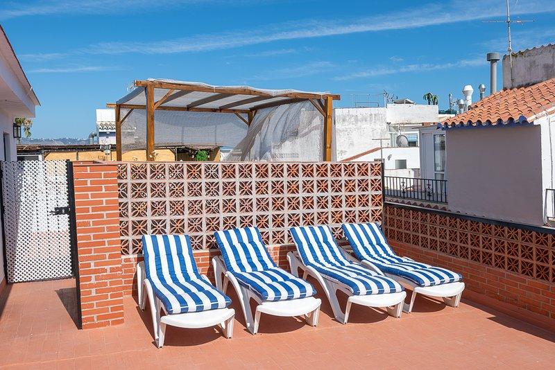Gloria. Centro, playas y gastronomía. Terraza solárium privada., holiday rental in Nerja