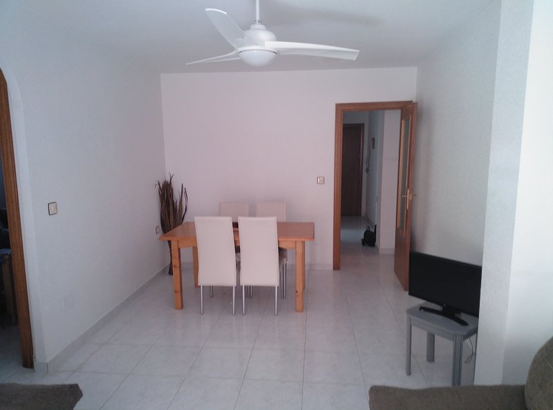 PTO 01: 2 bedroom apartment, 5 minutes walk to the beach of puerto de mazarron, holiday rental in Puerto de Mazarron