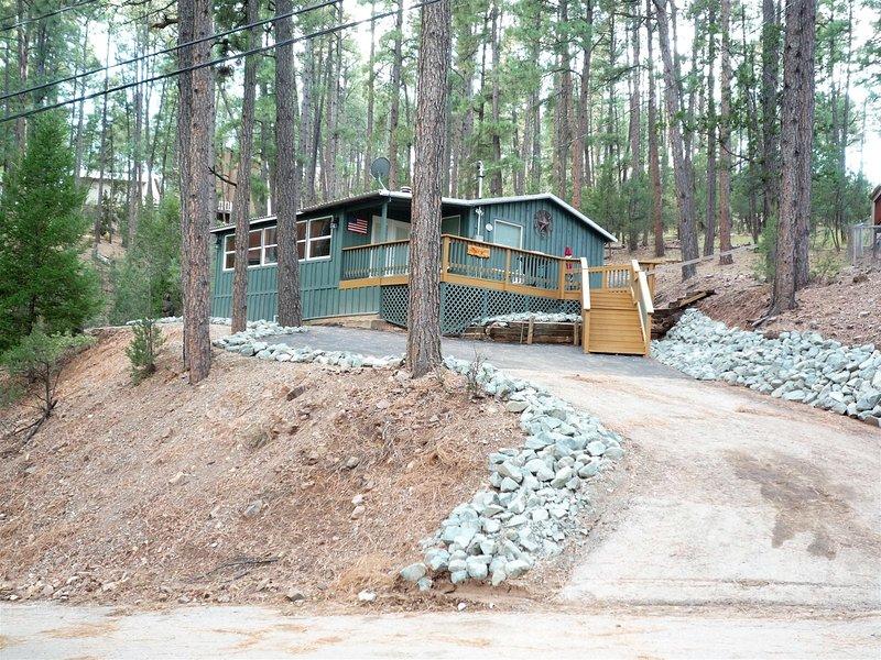 Bailey's Cabin - Cozy Cabins Real Estate, LLC., vacation rental in Ruidoso