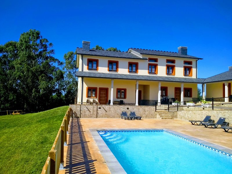 Apartamentos Navalín - Apartamento 1, holiday rental in El Franco Municipality
