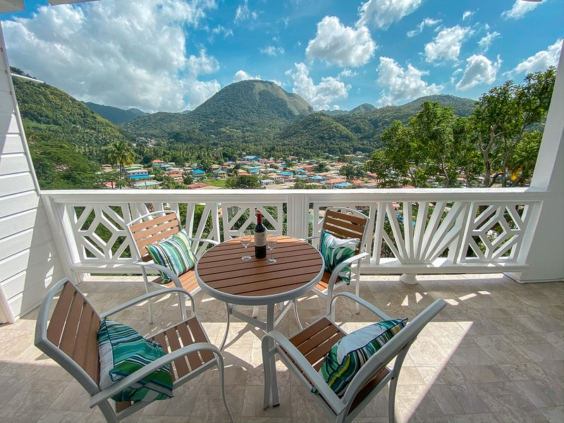 Moringa Suite At Sugarmon Villas With Lovely View, vacation rental in Soufriere