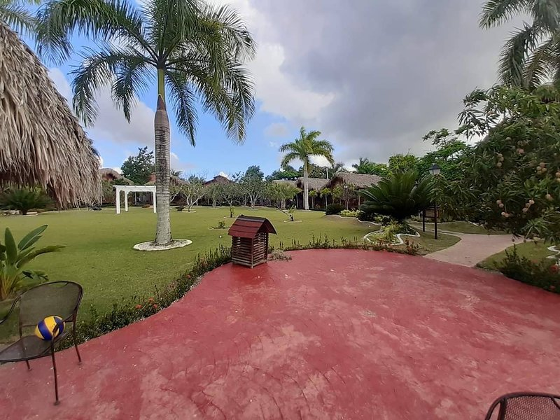 Banana folie eco, vacation rental in Higuey