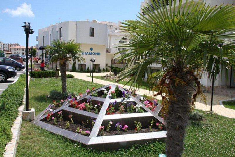 Апартаменты с видом на море в Sveti Vlas. Комплекс 'DIAMANT', holiday rental in Sveti Vlas