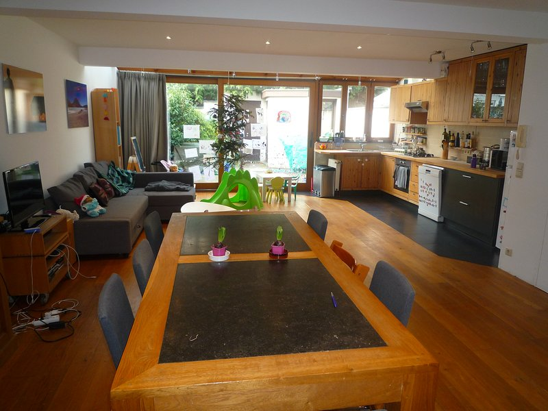 Furnished quiet family home, holiday rental in Anderlecht