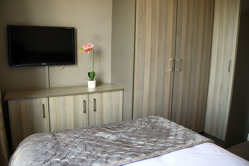 Furnished Apartments The Cube, holiday rental in Rivonia
