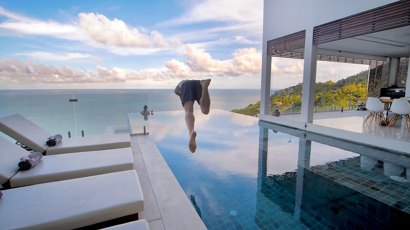 180 Samui. Luxury 5 bedroom villa with stunning panoramic sea views., location de vacances à Bophut
