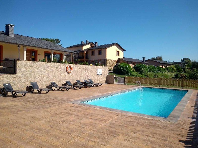 Apartamentos Navalin - Apartamento 3, holiday rental in El Franco Municipality