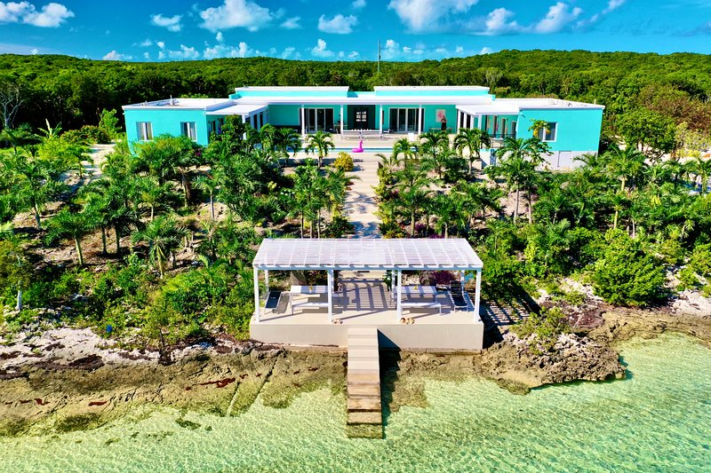 Zion | Beachfront Paradise | Swimming Pool | Modern Luxury | Central Eleuthera, location de vacances à Eleuthera