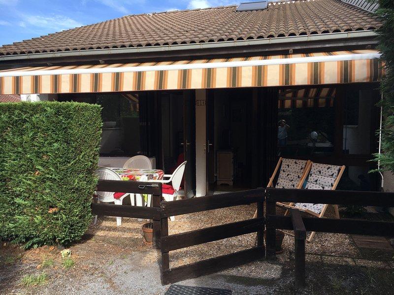 Cottage dans résidence privée, vacation rental in Lit-et-Mixe
