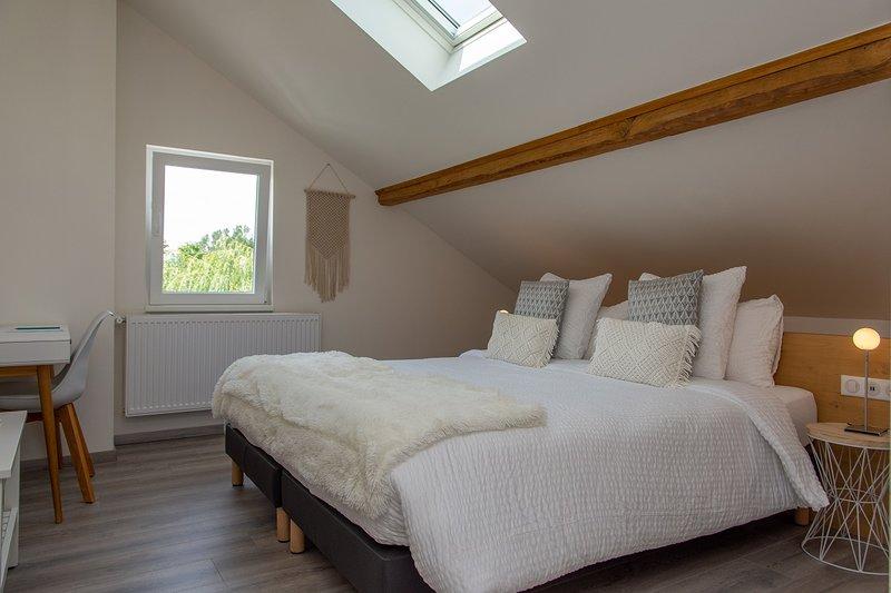 Amodo Lodge - Chambre ZIMA 2 personnes, holiday rental in Saint-Paul-en-Chablais