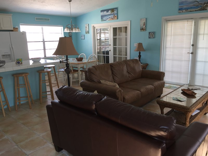 Charming House on deep clear canal, holiday rental in Ramrod Key
