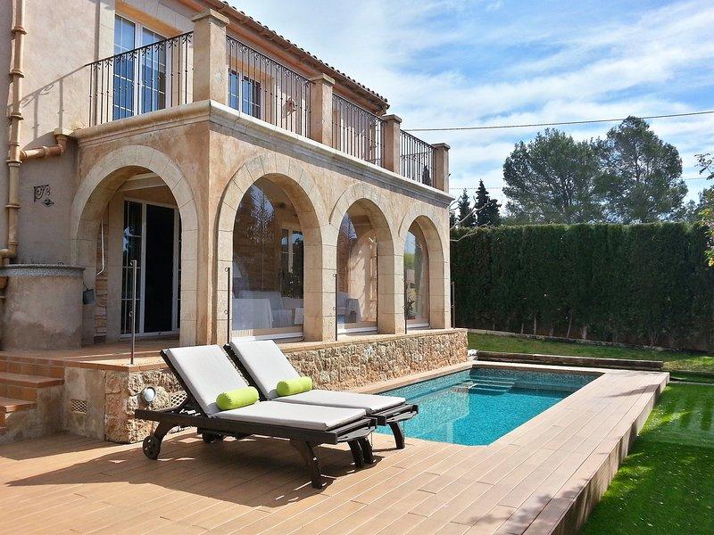 Casa bonita en pueblo tranquilo, holiday rental in Santa Maria del Cami