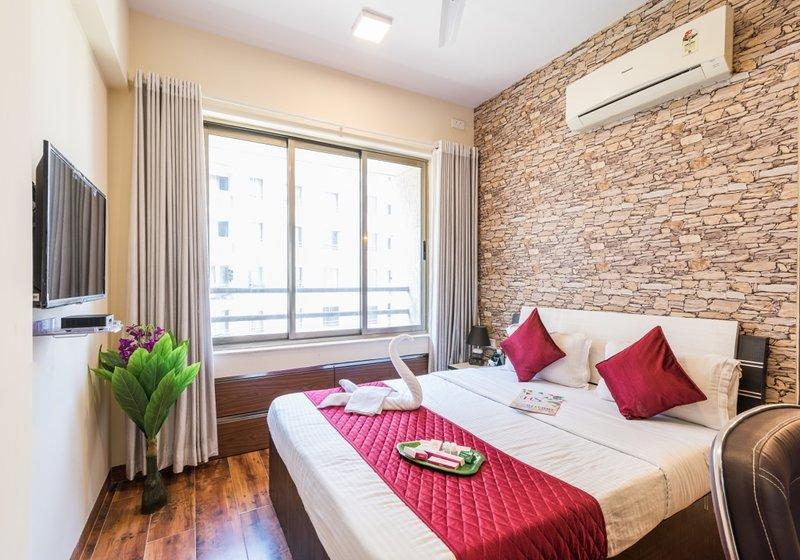 1.5 Bedroom-Stay-Breakfast-Wifi-Meal nr MIDC, vacation rental in Ghātkopar