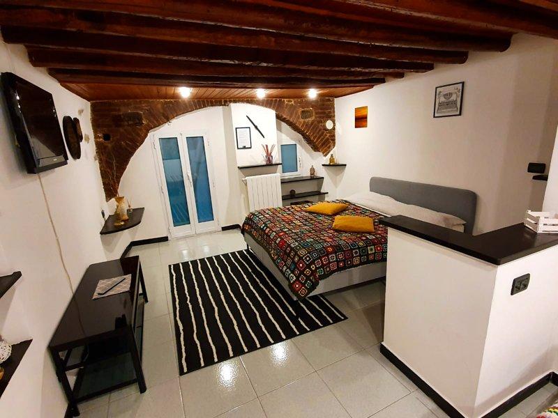 La Casa di Sant'Agostino (010025-LT-1326), holiday rental in Genoa