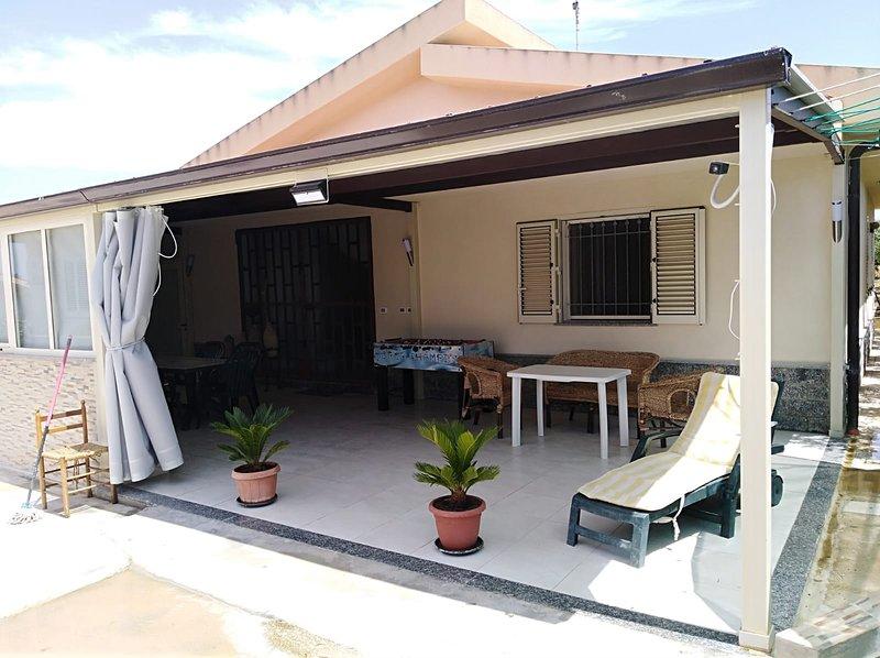 Beautiful house with sea view, alquiler de vacaciones en Menfi