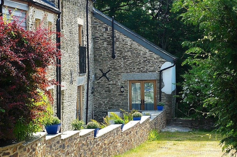 The Water Mill at East Trenean Farm, holiday rental in Hessenford
