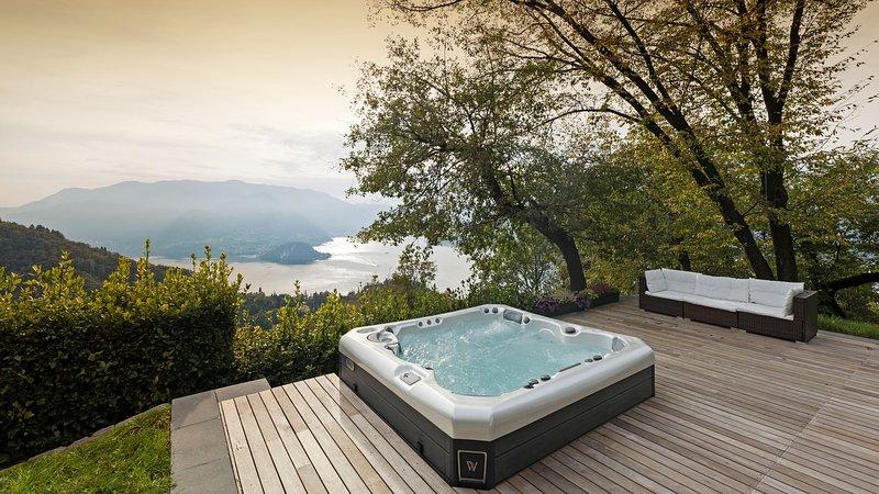 TORRE PERLEDO semidetached villa - Lake view - Ecofriendly, Ferienwohnung in Regoledo