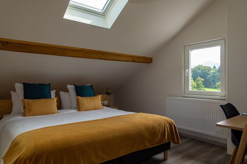 Amodo Lodge - Chambre LETO 2 personnes, holiday rental in Saint-Paul-en-Chablais