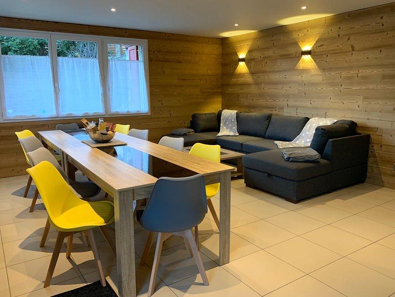 Appartement 100m2 MODERNE & GRAND CONFORT de 100m2 + JARDIN, holiday rental in Angoustrine
