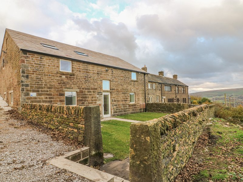 Upper House Barn, Delph, holiday rental in Mossley